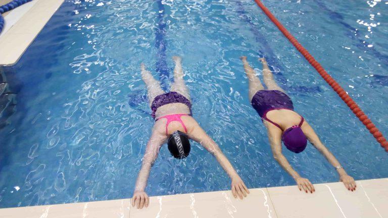 Antes-después de alumnos que tuvieron miedo al agua